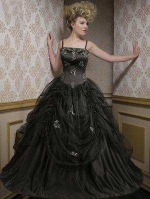 Black spaghetti straps taffeta gothic wedding dress for Black gothic wedding dress