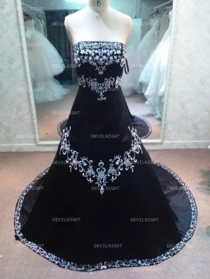 Black Embroidery Gothic Wedding Dress