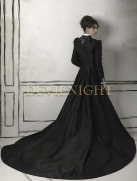 home wedding black and white long sleeves gothic wedding dress