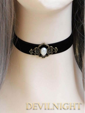 Gothic Victorian Short Pendant Necklace