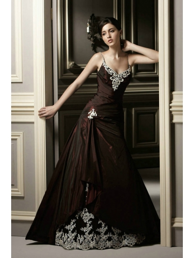 Red Lace Applique Gothic Wedding Dress