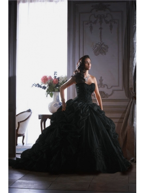 Gothic wedding dresses black wedding dresses custom for Black gothic wedding dress