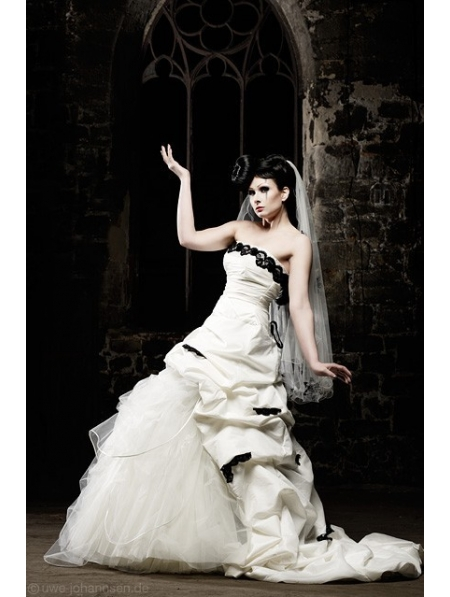 White Gothic Wedding Dresses 75