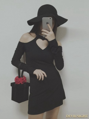 Black Heart-Shaped Hollows-out Gothic Dress