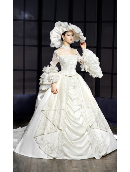Royal victorian style wedding dress for Period style wedding dresses