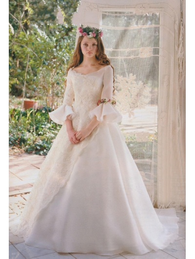 Princess Fair Tale Victorian Style Wedding Dress
