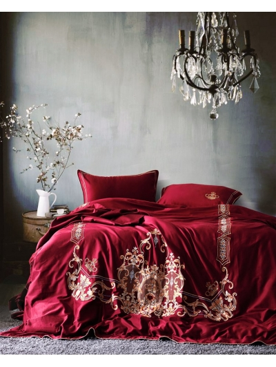 Red Vintage Crown Embroidery Comforter Set