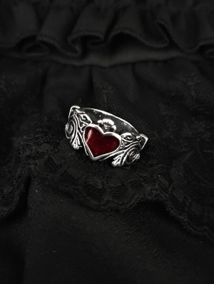 Vintage Gothic Red Heart Ring