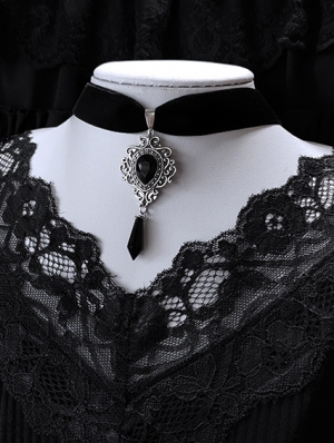 Vintage Gothic Dark Velvet Pendant Choker